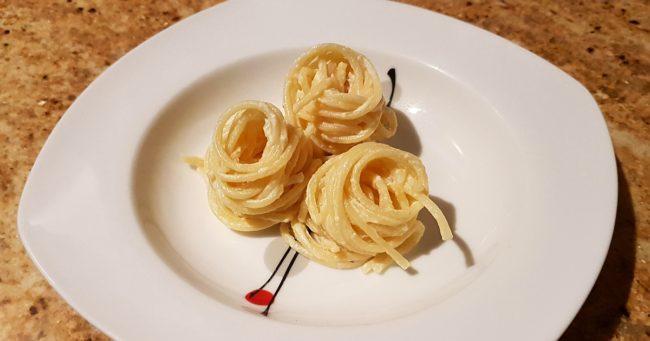 Como Preparar una Receta con Trufa Negra y Espaguetis 1