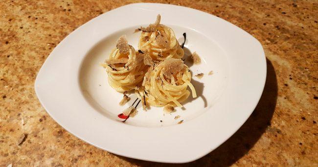 Como Preparar una Receta con Trufa Negra y Espaguetis 2